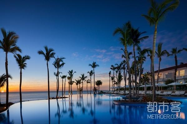 酷暑夏日,想在这些酒店开一场盛大的泳池派对