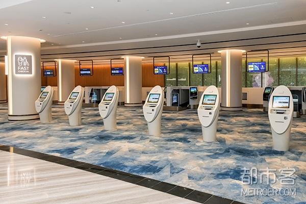 提早办理登机手续的机场设施