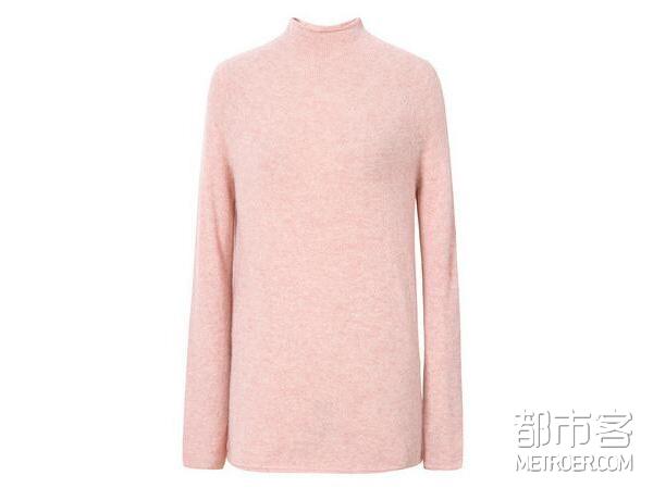 毛衣斜捆穿,不仅保暖还怪时尚