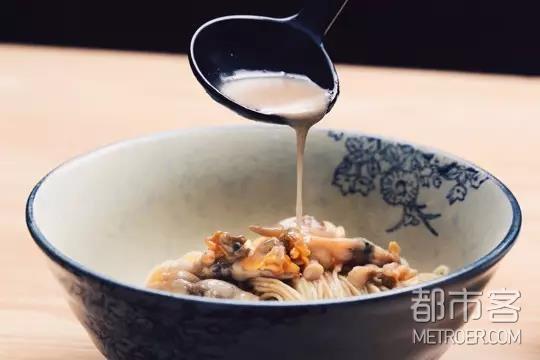 一碗蛏子蛤蜊拌面,鲜上加鲜